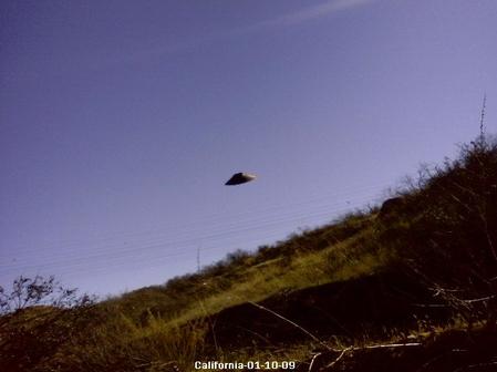 НЛО. Атака пришельцев: http://nlo-atack.narod.ru/picture-foto-video-ufo-nlo-10.html